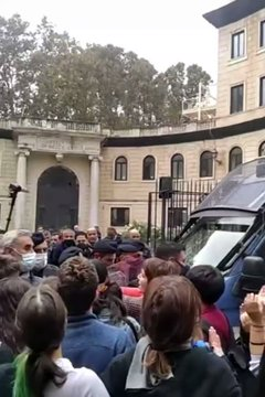 LAMORGESE FA MANGANELLARE ANCHE I RAGAZZINI: FERMATELA! – VIDEO