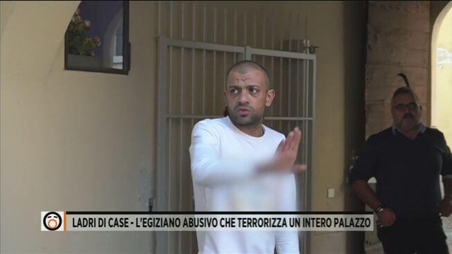 """Migrante caccia gli italiani da casa loro: """"Ora qui è tutto mio"""" – VIDEO"""