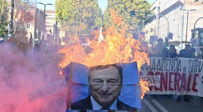 DRAGHI RIMANE SENZA MANGANELLI, 30% POLIZIOTTI SENZA GREEN PASS: VUOLE SCHIERARE L'ESERCITO